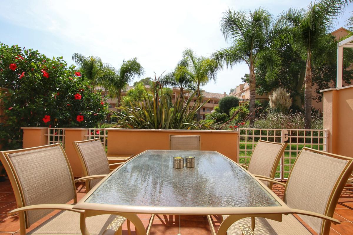 Apartamento Planta Baja en Elviria, Costa del Sol
