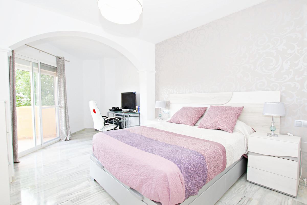 Ground Floor Apartment for sale in Calahonda R3675089
