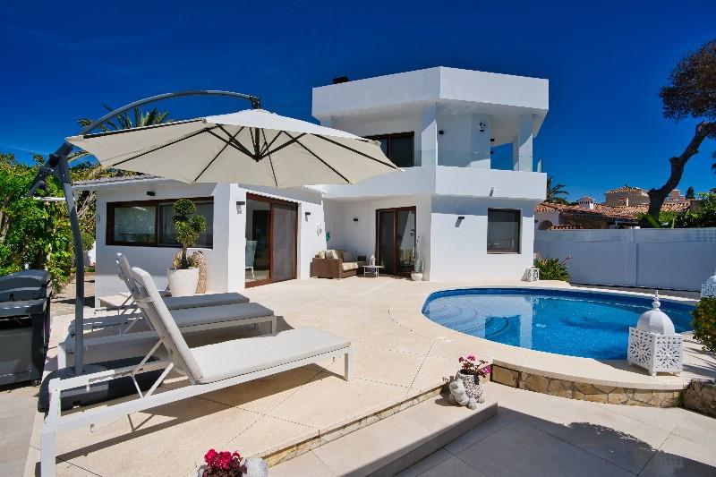 Detached Villa for sale in Marbesa R3828292