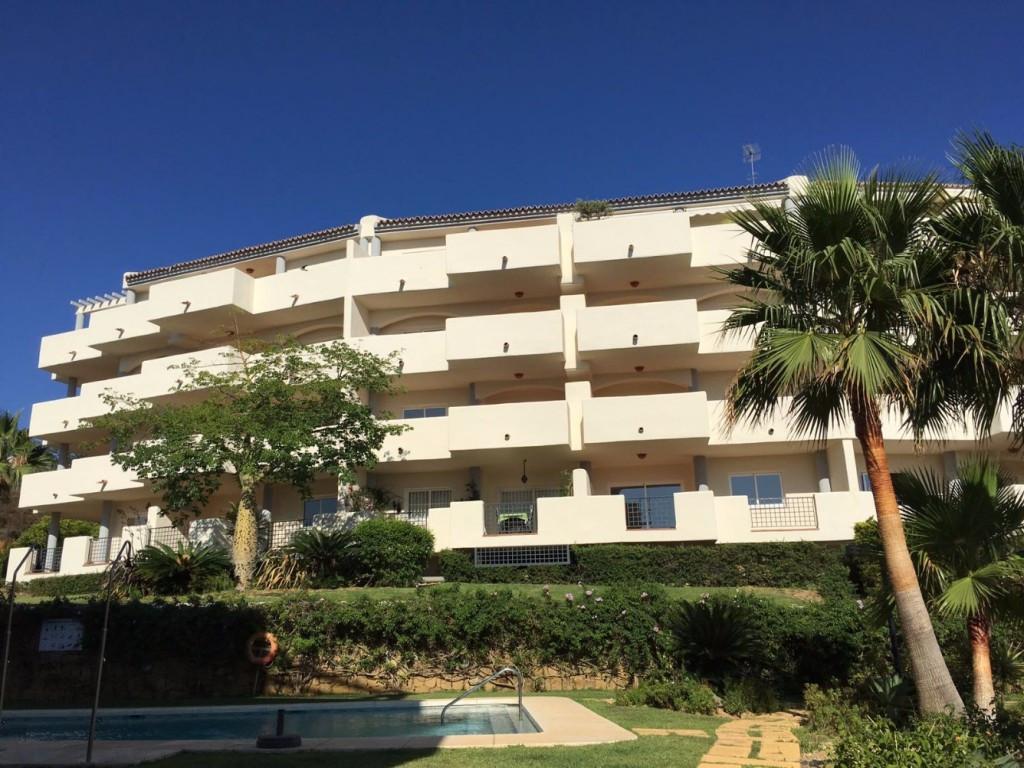 Appartement  Mi-étage en vente   à Elviria