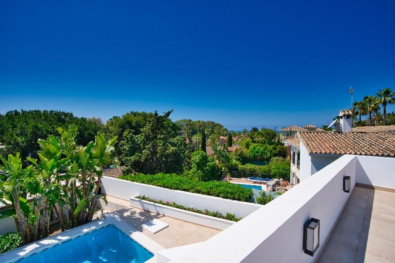Detached Villa for sale in Carib Playa R3437503
