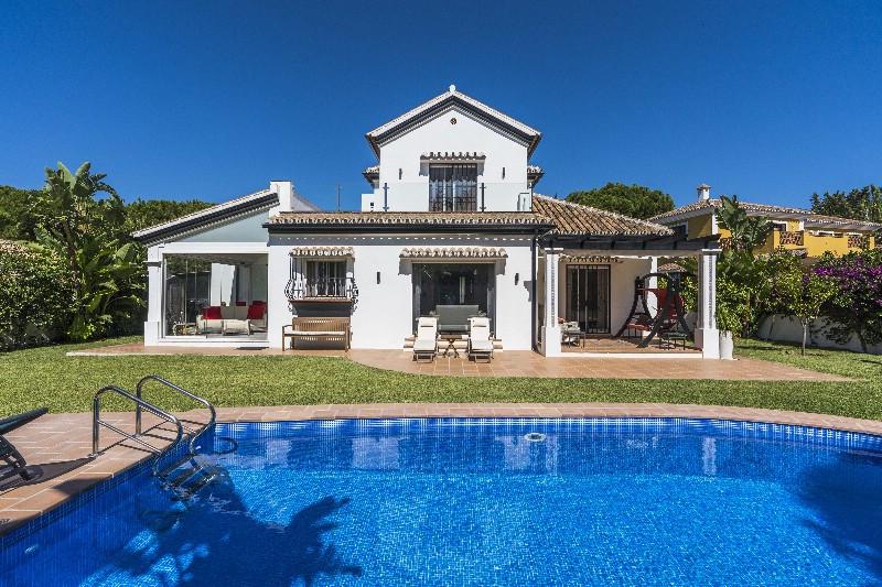 Villa 3 Dormitorios en Venta Marbesa