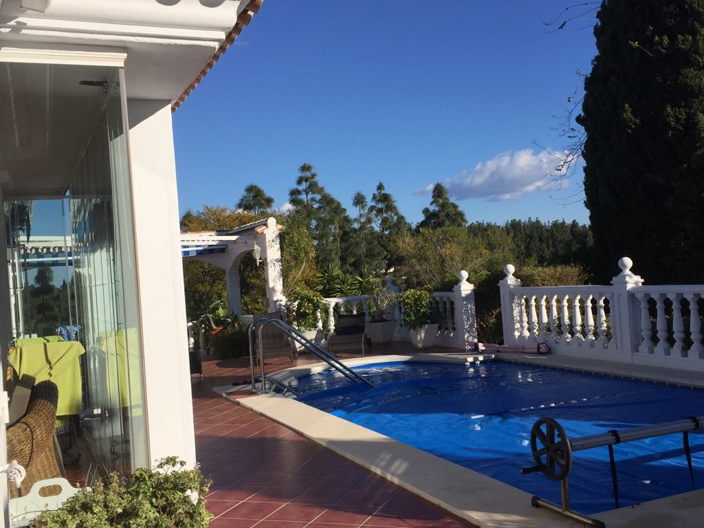 Beautiful one level Villa located in a quite cul de sac in the El Chaparral Golf area, next to the m,Spain