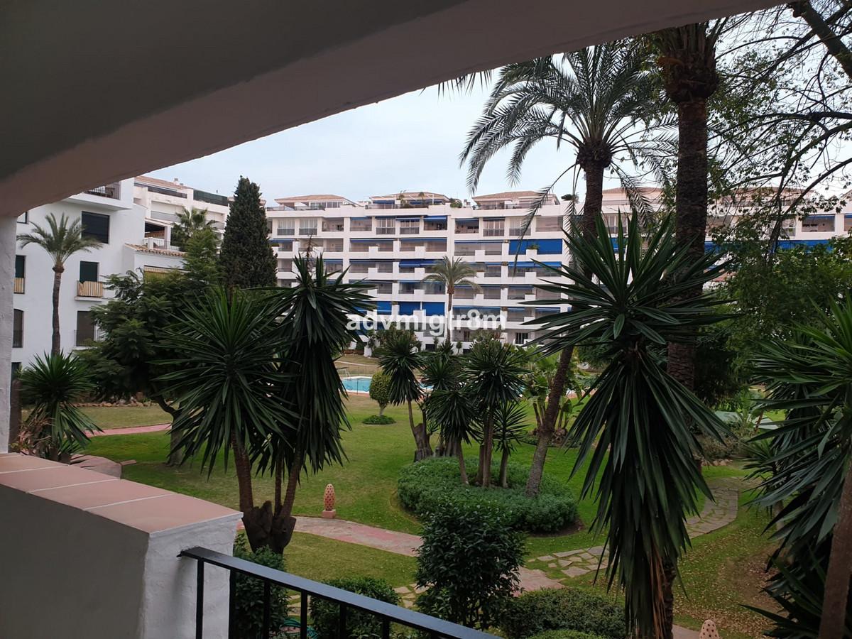 Mitte Stock Wohnung in Puerto Banús R3633416