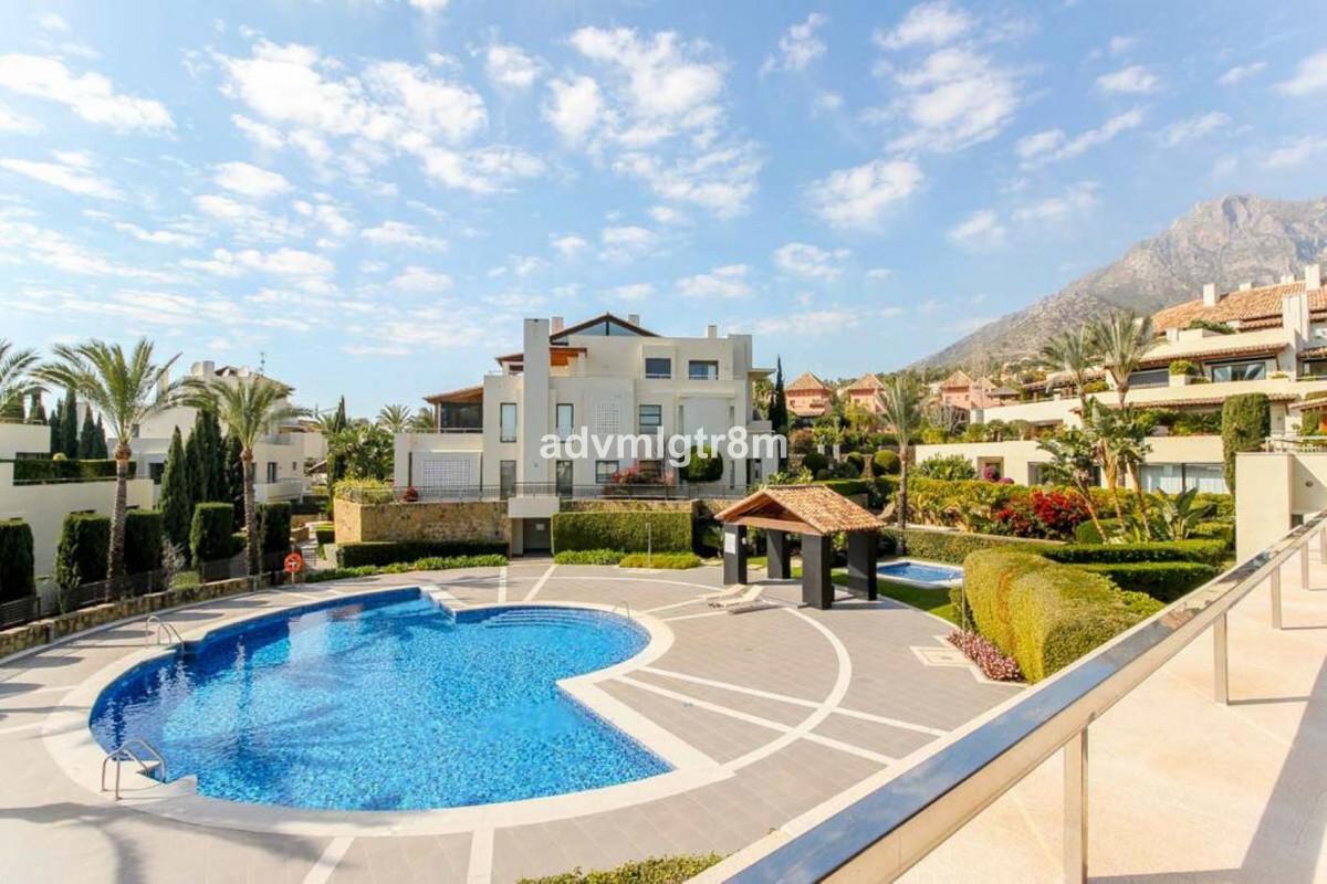House en Sierra Blanca R3517561 38