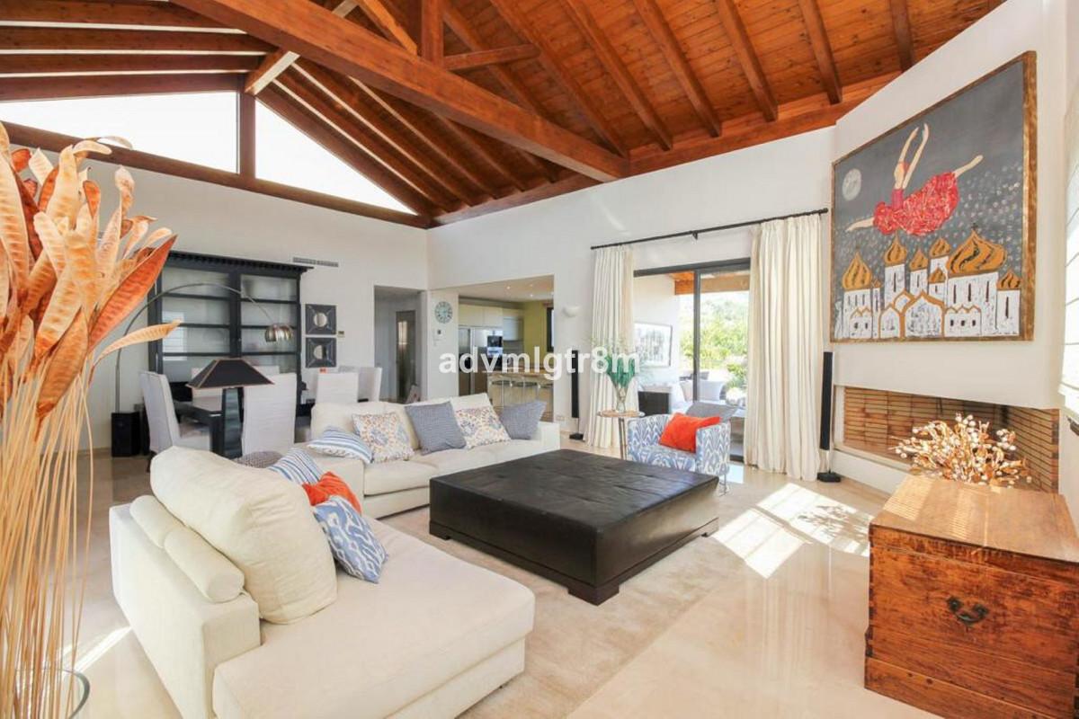 House en Sierra Blanca R3517561 4