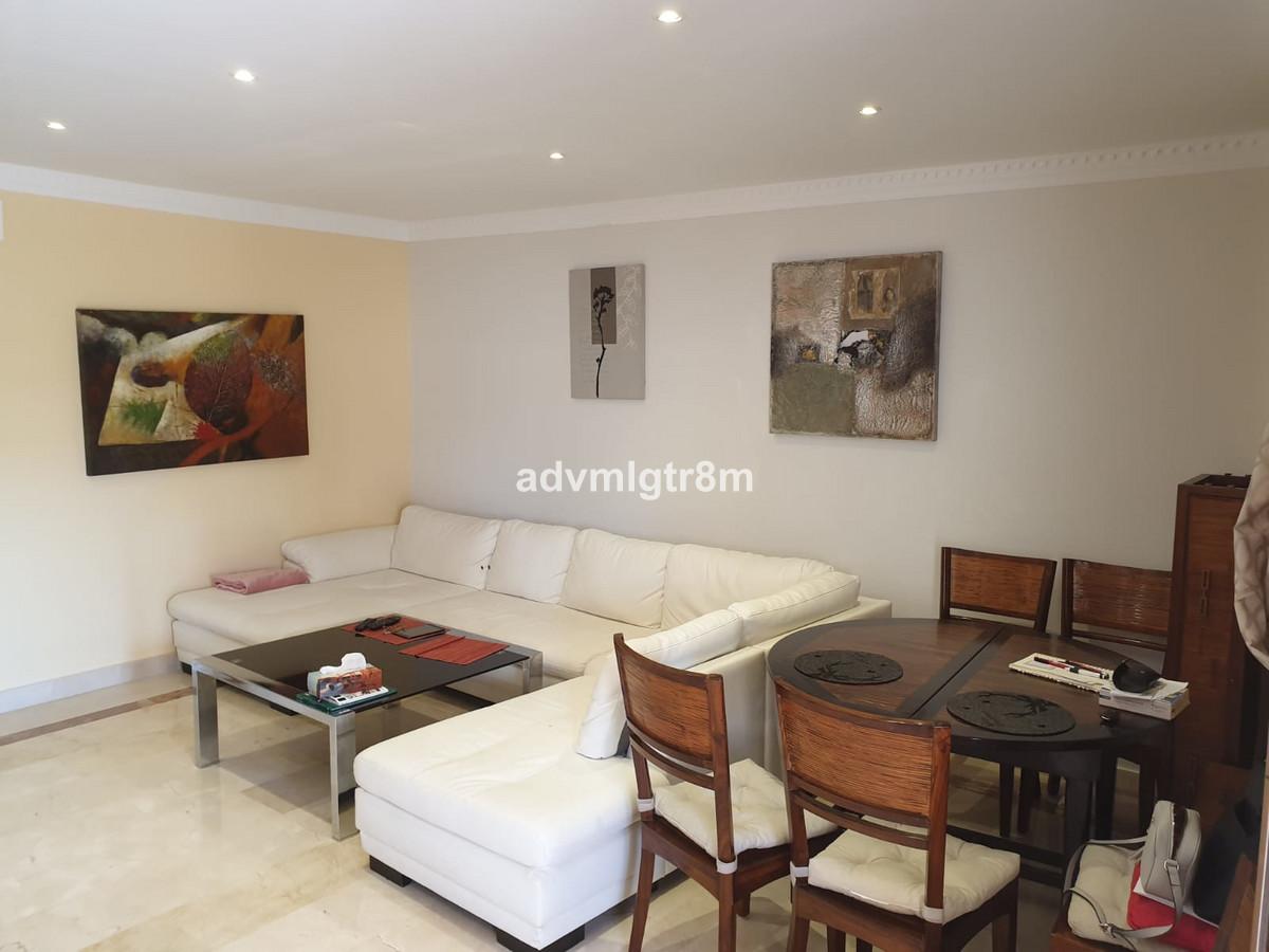 Middle Floor Apartment in Benahavís R3478195