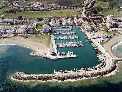 BERTH Puerto de la Duquesa Berth for boats up to 10 meters, with conception until 2027. '   qual,Spain