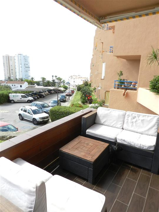A few meters from the beach in the center of Torre Guadiario, Apartment with 2 bedrooms and 1 bathro,Spain