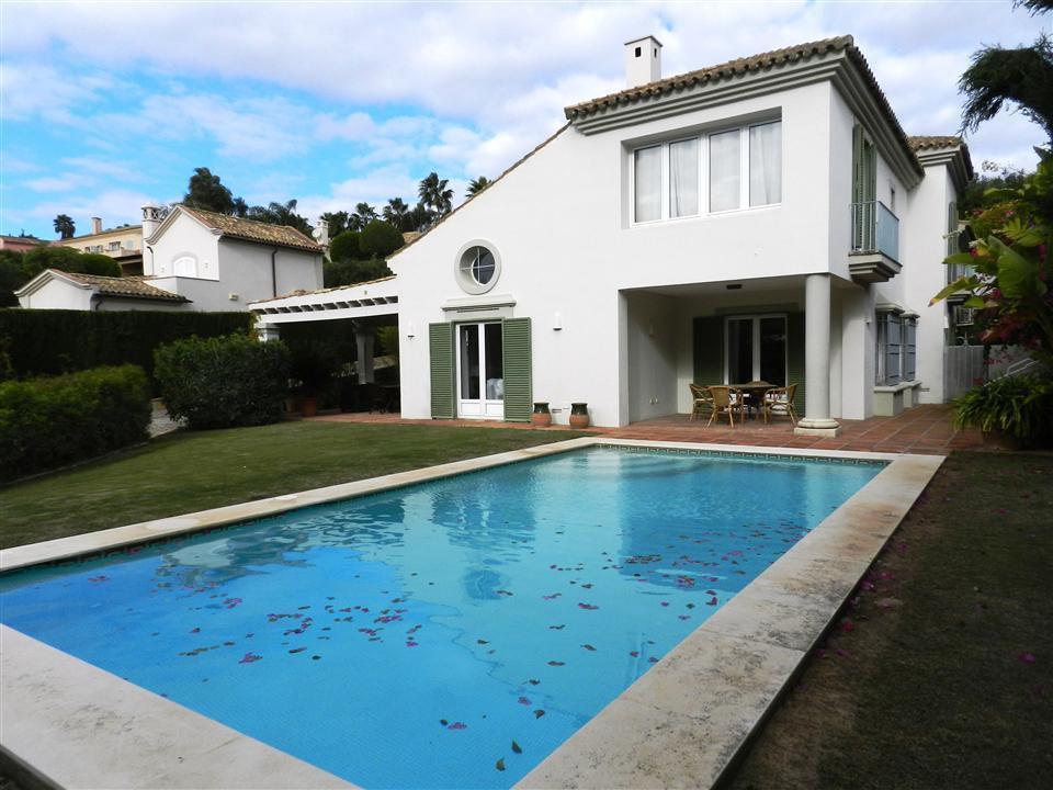 Villa 4 Dormitorios en Venta Sotogrande