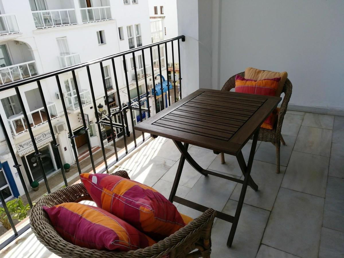 In the marina of Puerto de la Duquesa Attic of 115 m2 2 bedrooms, 2 bathrooms, living room, kitchen,,Spain
