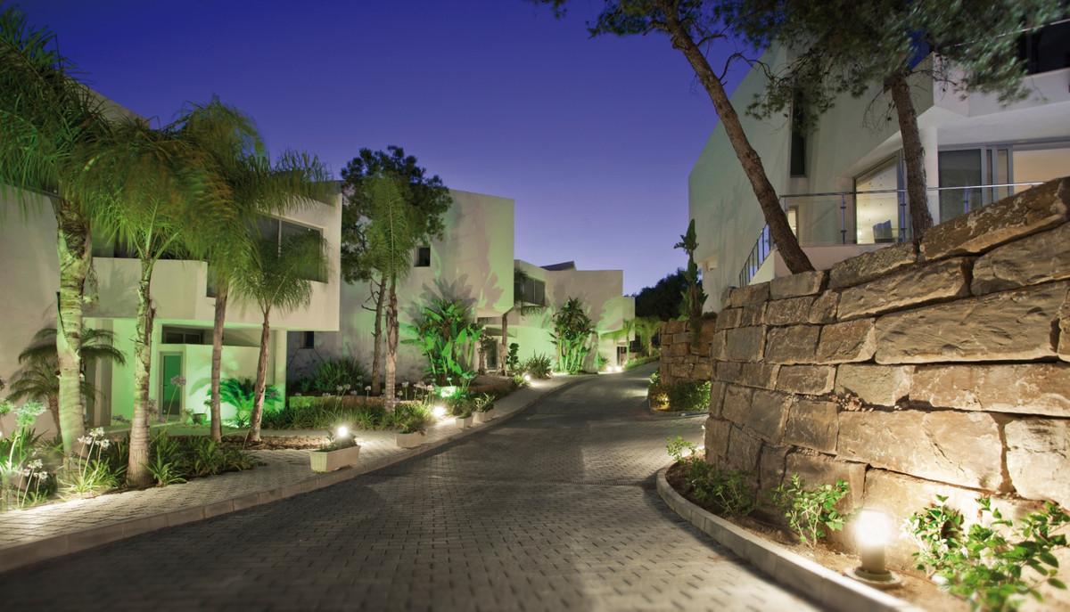 Villa Til salg i Sierra Blanca R3673766
