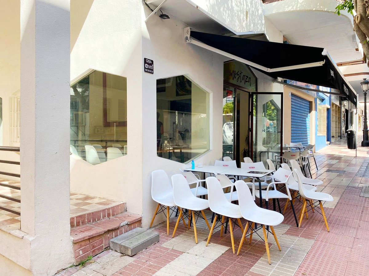 TRANSFER OF BUSINESS LEASE - Bar / Cafe in the heart of Marbella center, second line beach surrounde,Spain