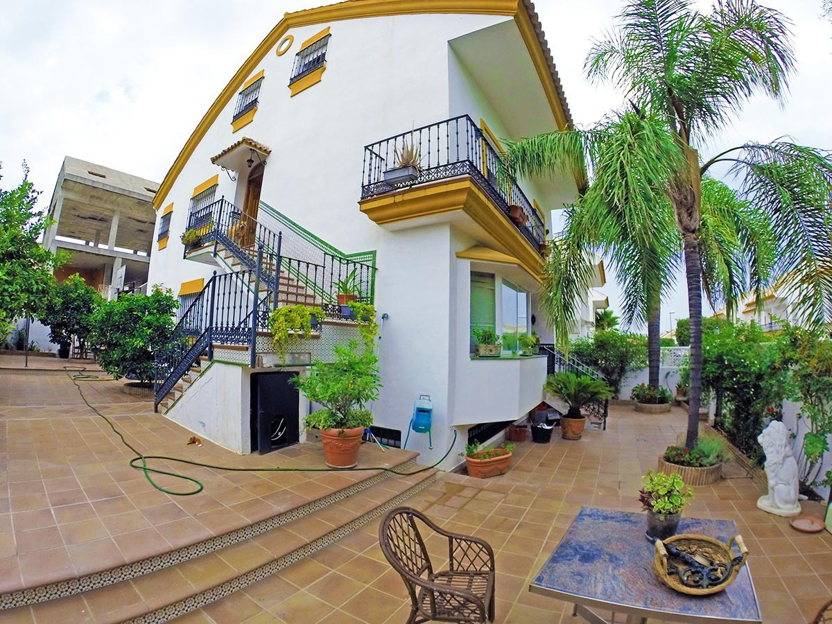 Fantastic terraced house with plot in Guadalmina San Pedro, Marbella Very spacious and stately terra,Spain