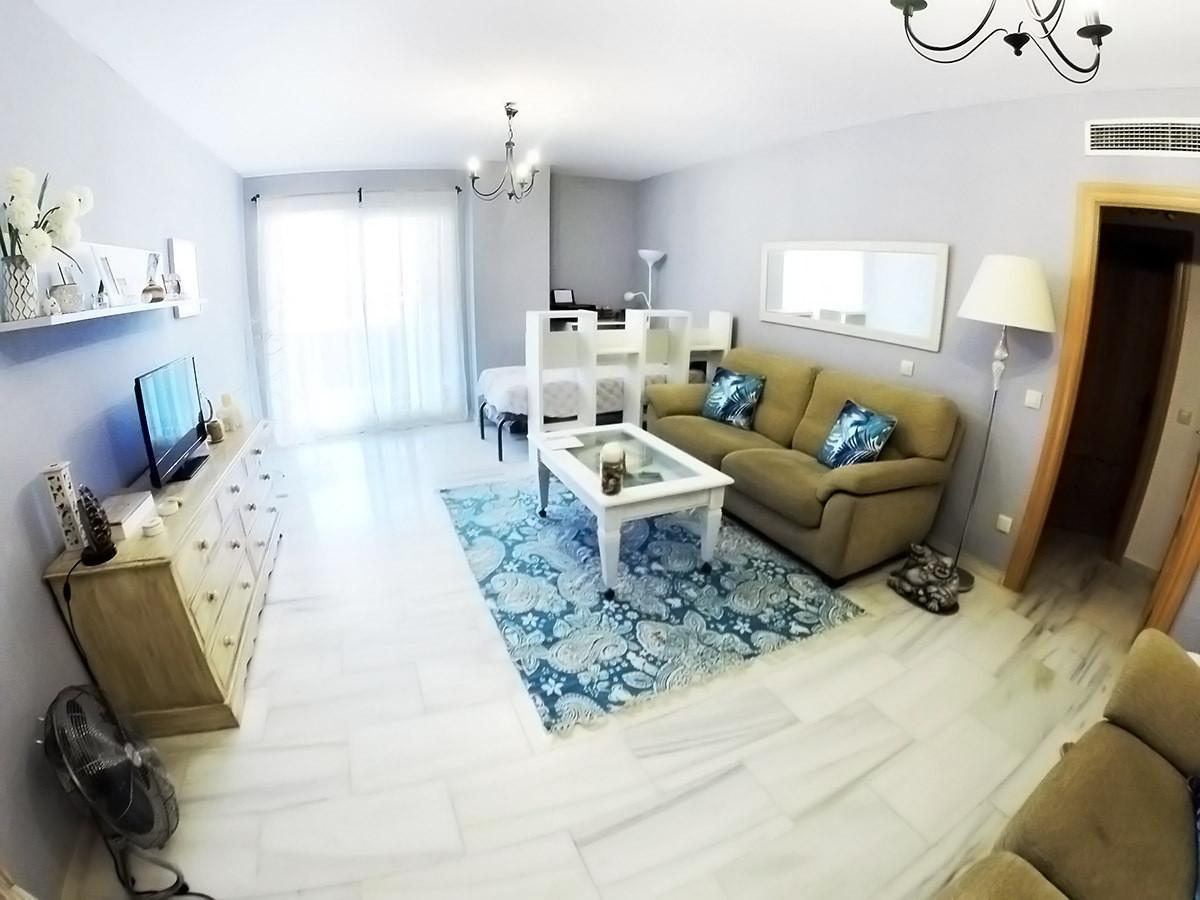 R2944526: Apartment for sale in Riviera del Sol