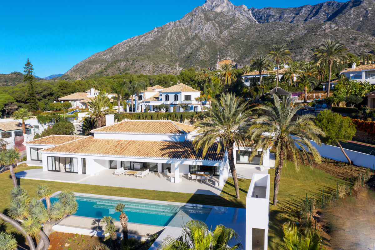 Contemporary 6 bed Villa in an exclusive area of Sierra Blanca, Marbella, built to the highest stand,Spain