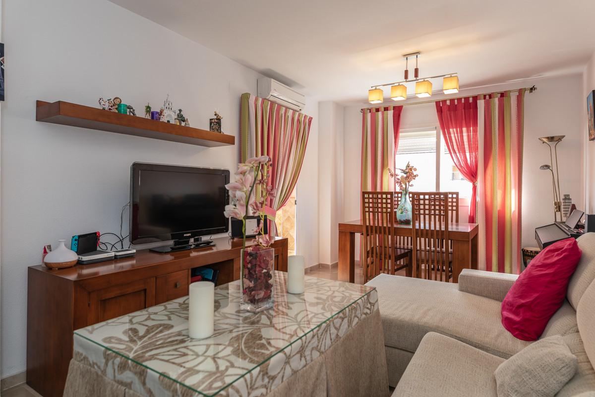 Middle Floor Apartment, Malaga, Costa del Sol. 3 Bedrooms, 2 Bathrooms, Built 100 m².  Setting : TowSpain