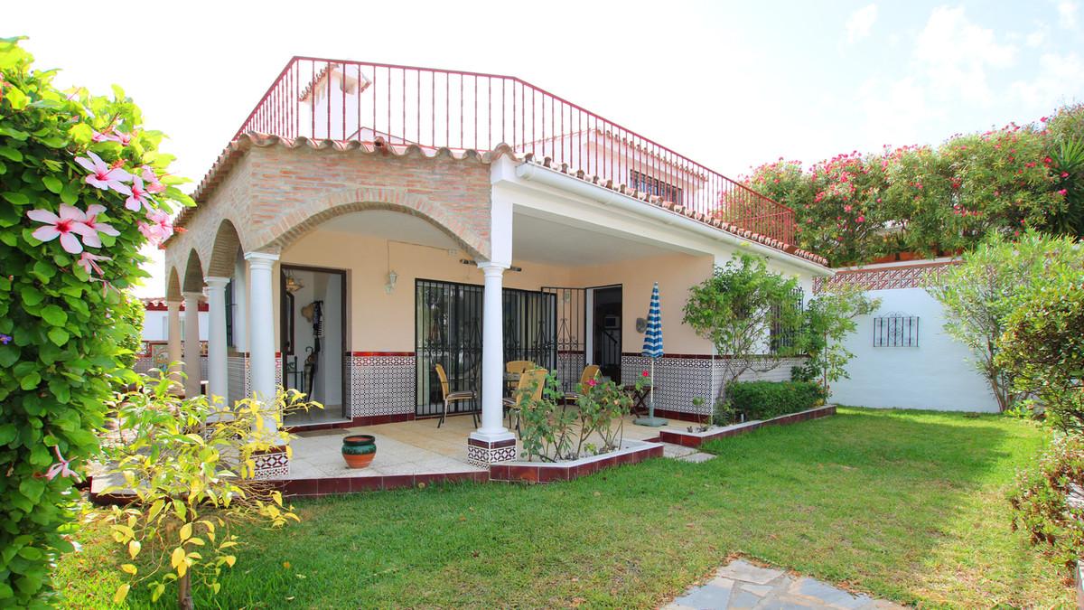 Villa, Pareada  en venta    en Manilva