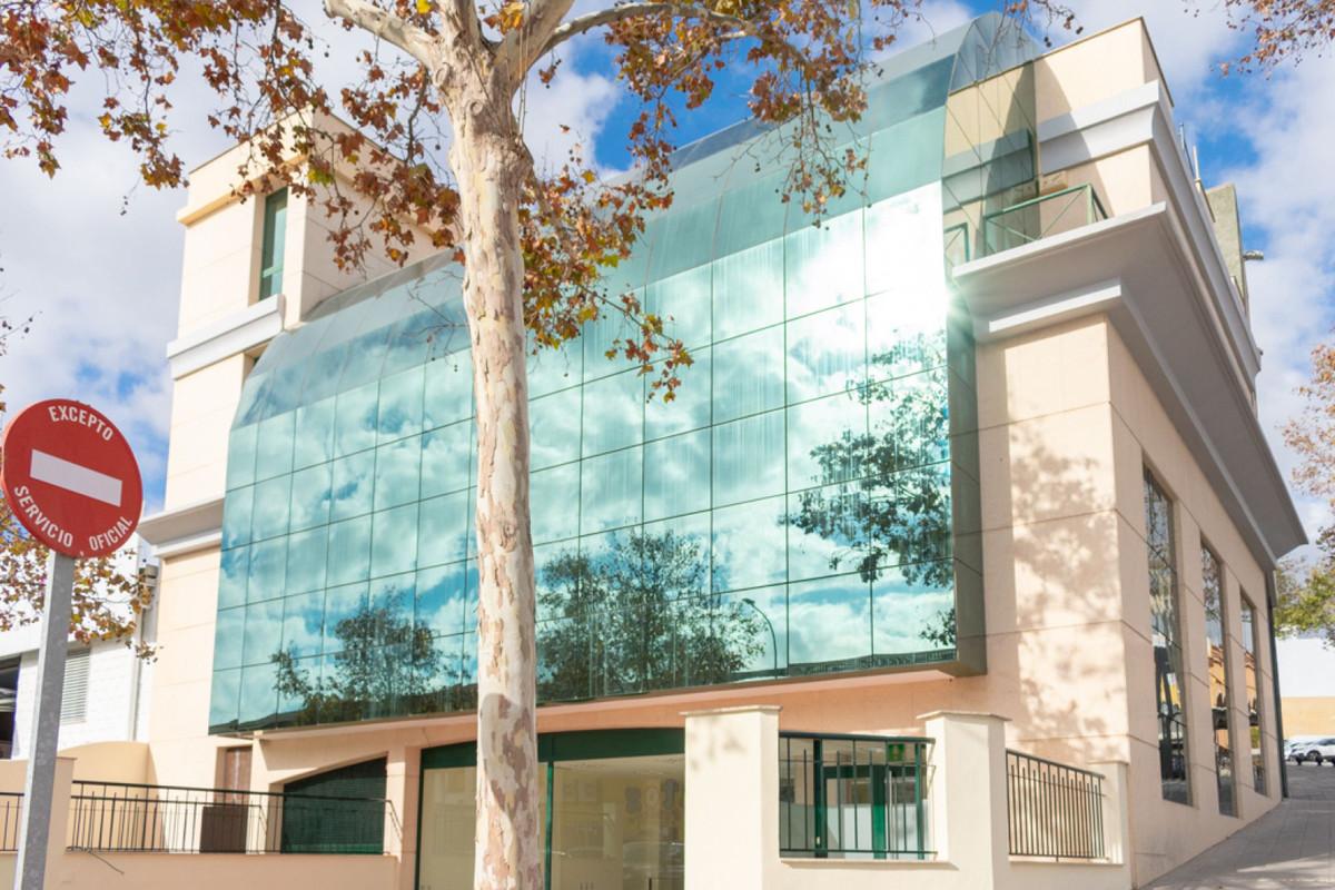 For sale industrial building in Arroyo de la Miel, the building is located in calle Pedro Serrano, i,Spain