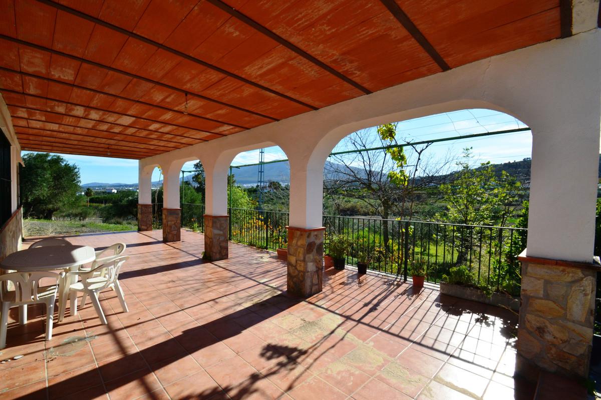 Finca - Cortijo for sale in Coín R3686087