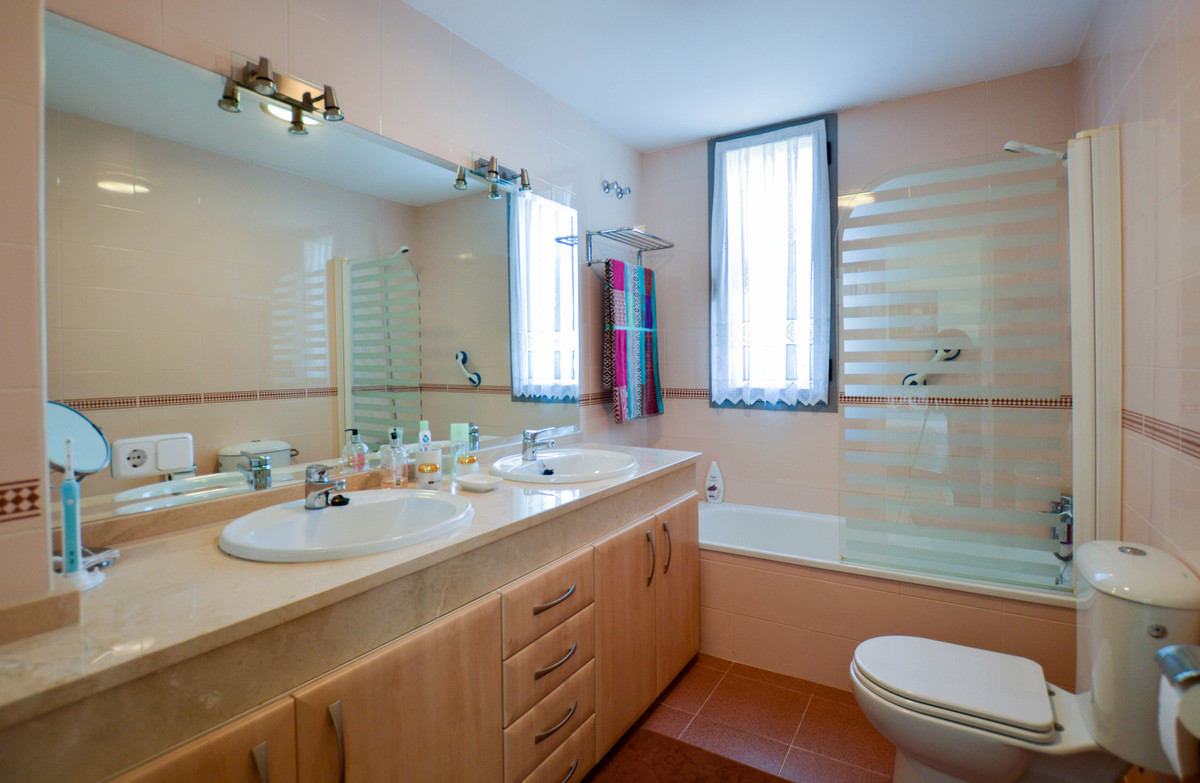3 Bedroom Semi Detached Townhouse For Sale Fuengirola
