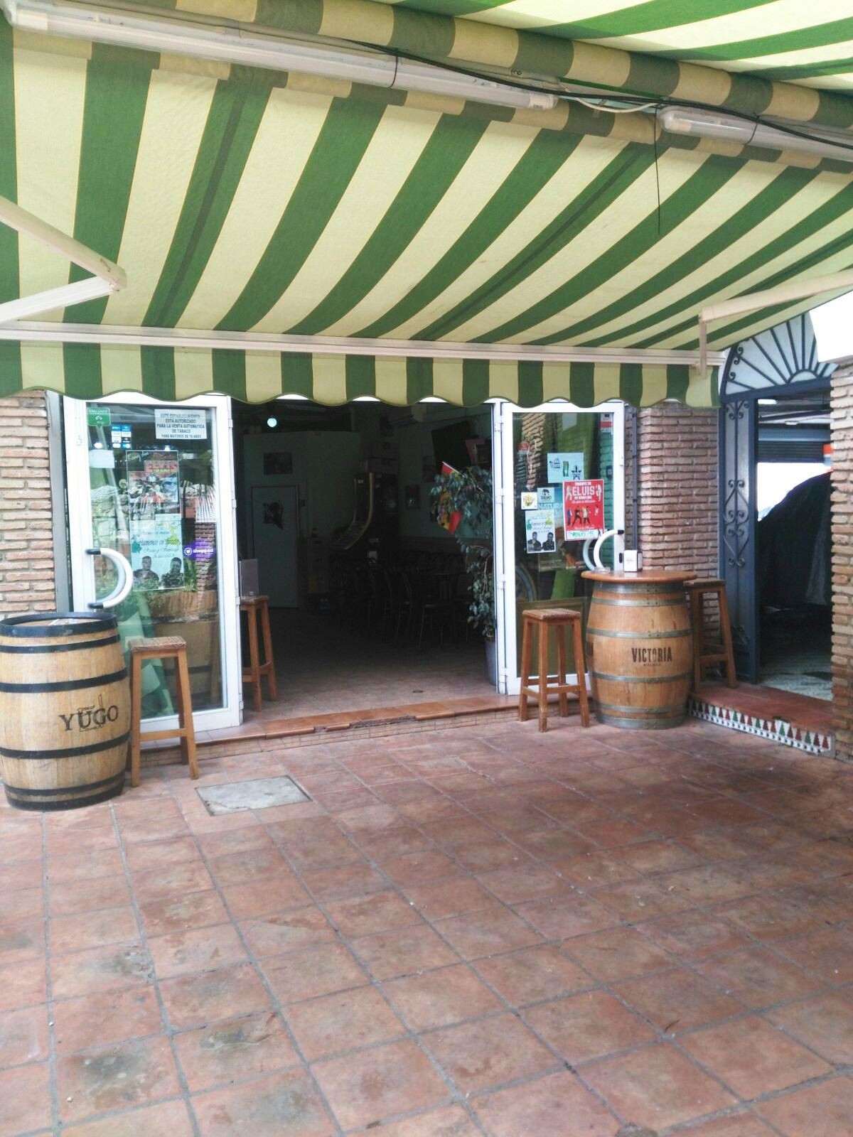 Sale of local bar in front of the Parque de Atracciones Tivoli. 60 meters built surface with access ,Spain