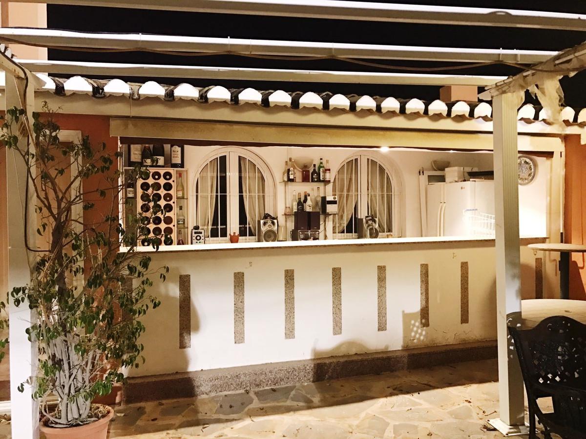 Villa Detached in Arroyo de la Miel, Costa del Sol