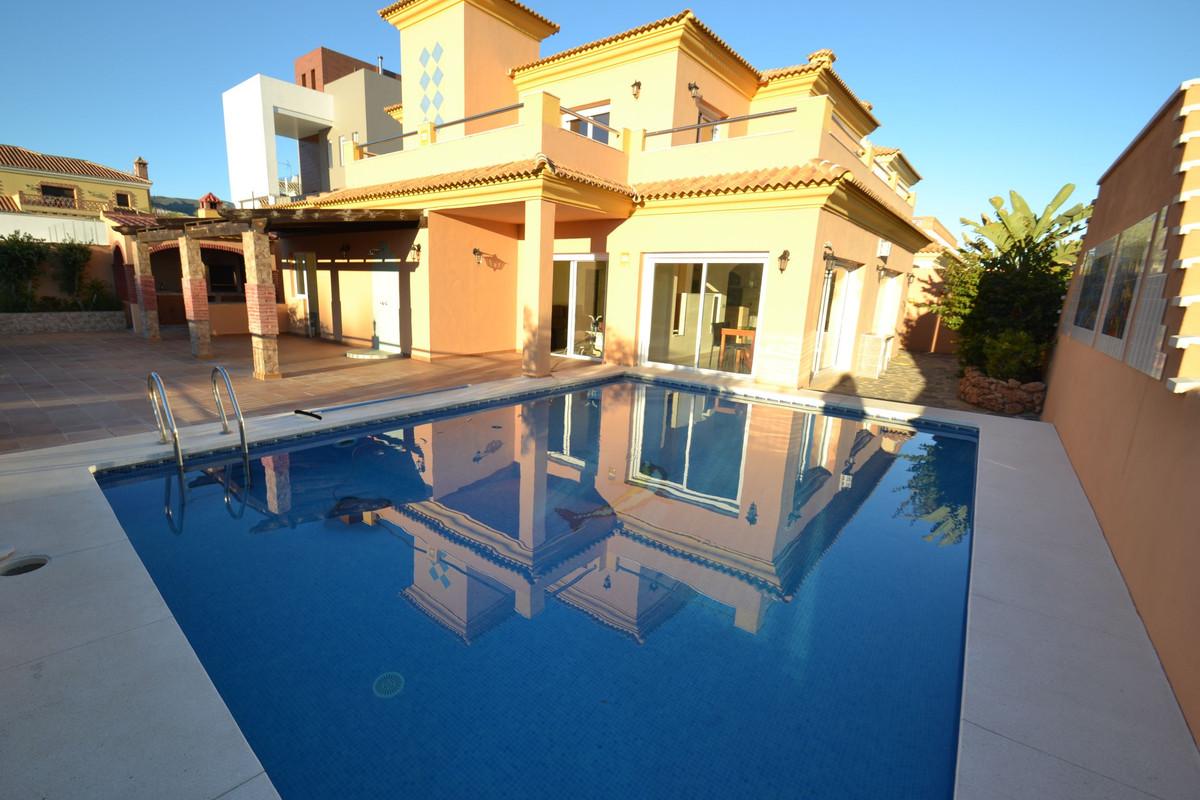 Villa 6 Dormitorios en Venta Benalmadena Costa