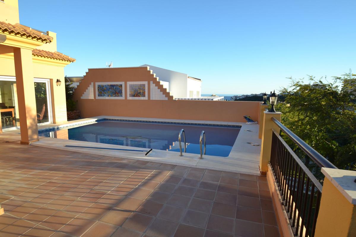 Villa con 6 Dormitorios en Venta Benalmadena Costa