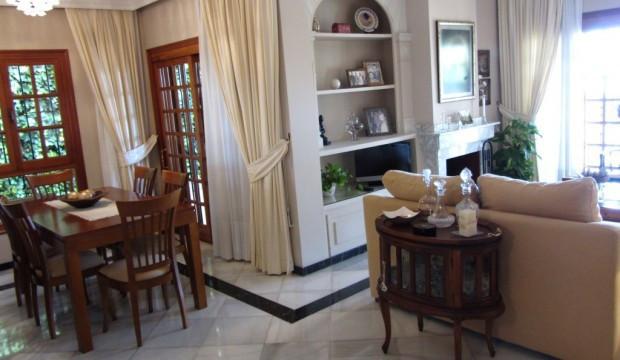 Villa - Chalet  en venta en  Marbella, Costa del Sol