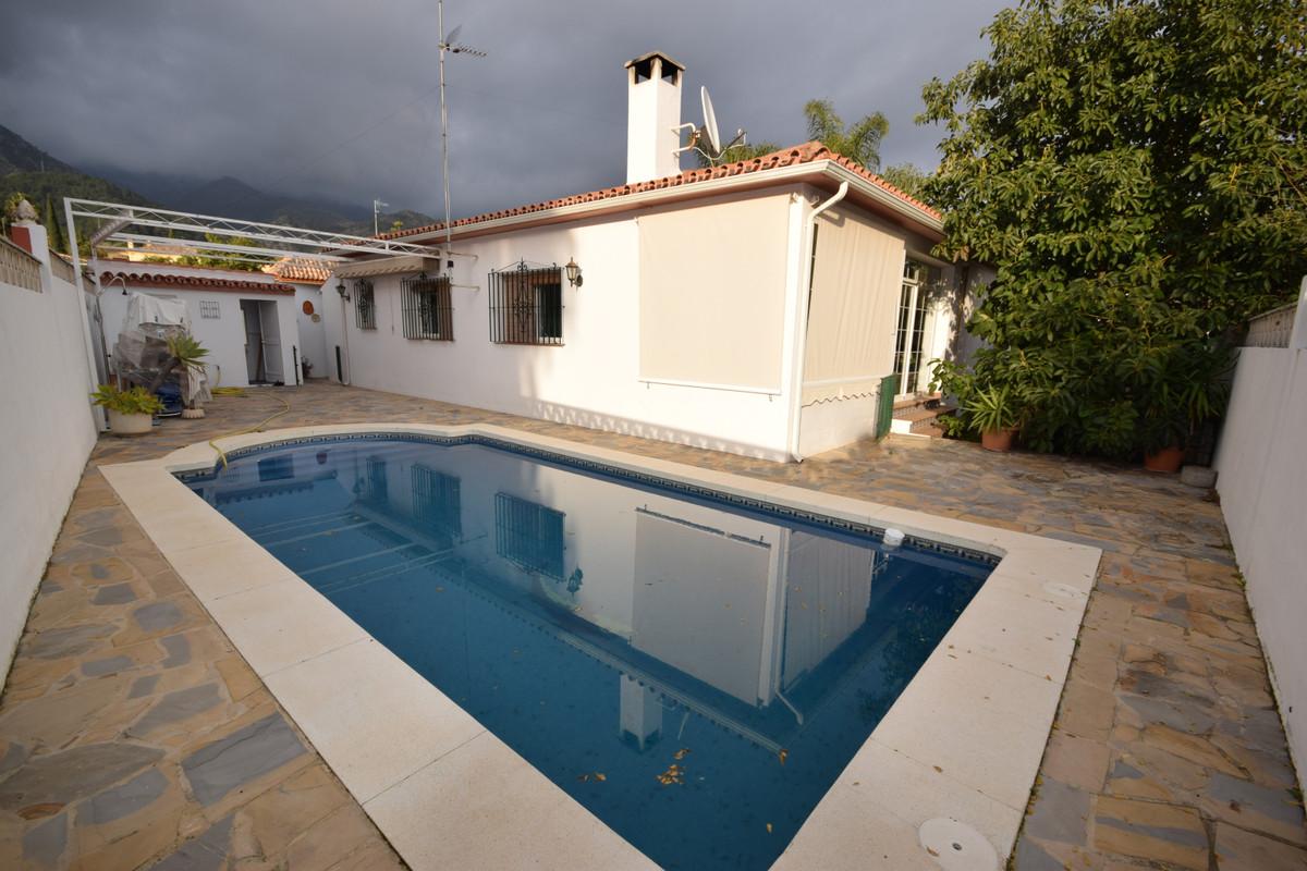 Detached Villa for sale in Marbella R3339013