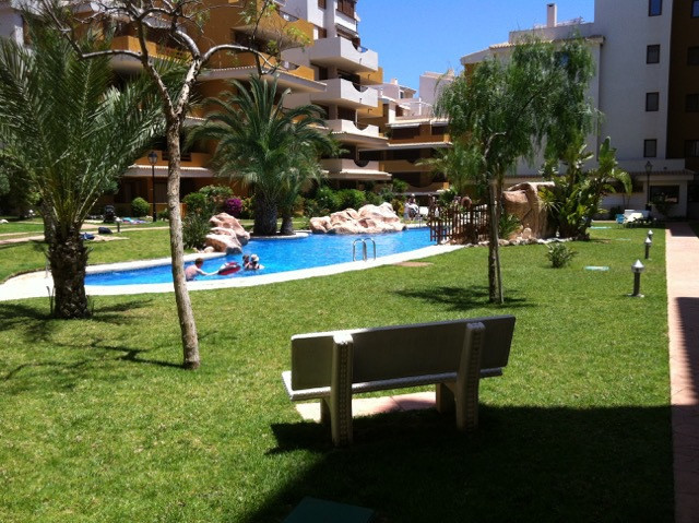 Apartamento esta ubicado en Punta Prima,Senorio de Punta Prima en 200 m hasta al mar con 2 dormitori,Spain