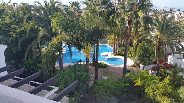 Townhouse, Nagueles, Costa del Sol. 4 Bedrooms, 3 Bathrooms, Built 170 m², Terrace 100 m².  Setting ,Spain