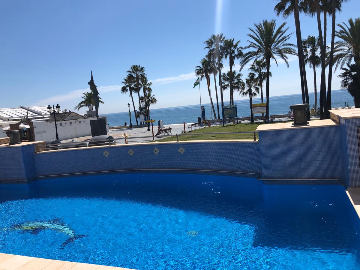 Top Floor Apartment, San Pedro de Alcantara, Costa del Sol. 3 Bedrooms, 2 Bathrooms, Built 0 m².  Se,Spain