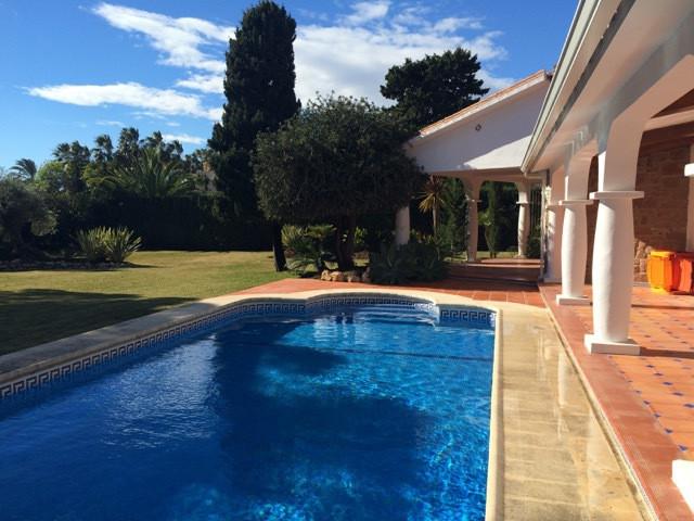 Detached Villa in La Atalaya R3207997