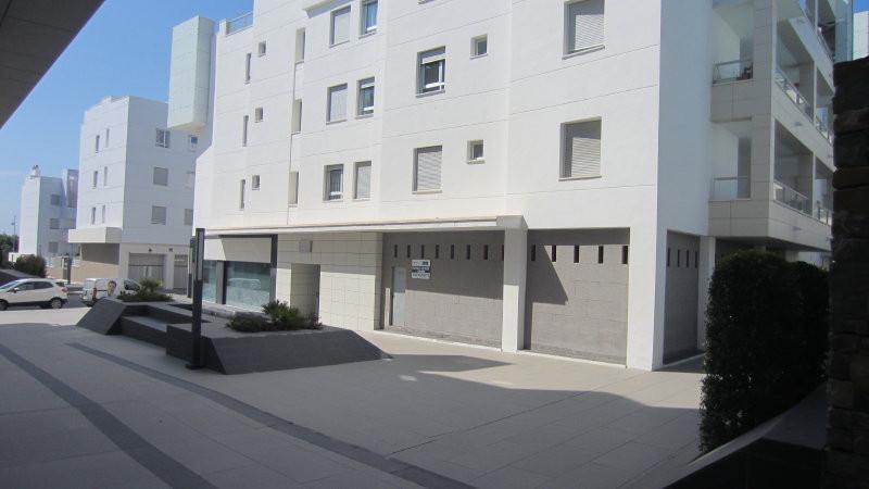 Local located in the new beachside development of Los Arqueros Beach San Pedro de Alcantara beach si,Spain