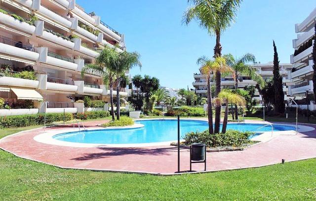 Nice third floor apartment located in the well know developmen of Campos de Guadalmina in Guadalmina,Spain