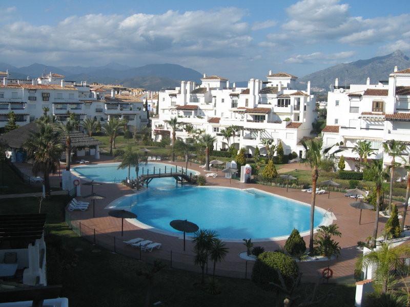 Apartamento 4 Dormitorios en Venta San Pedro de Alcántara