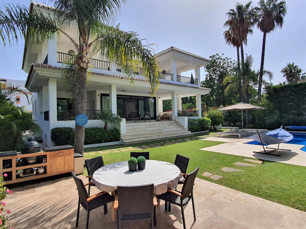 Villa Till salu i Cortijo Blanco R3686300