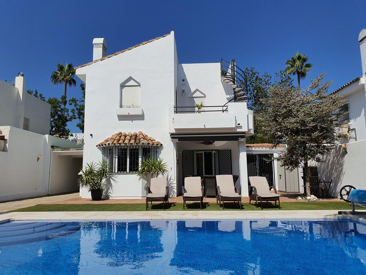 Ref:R3693509 Villa - Detached For Sale in Atalaya