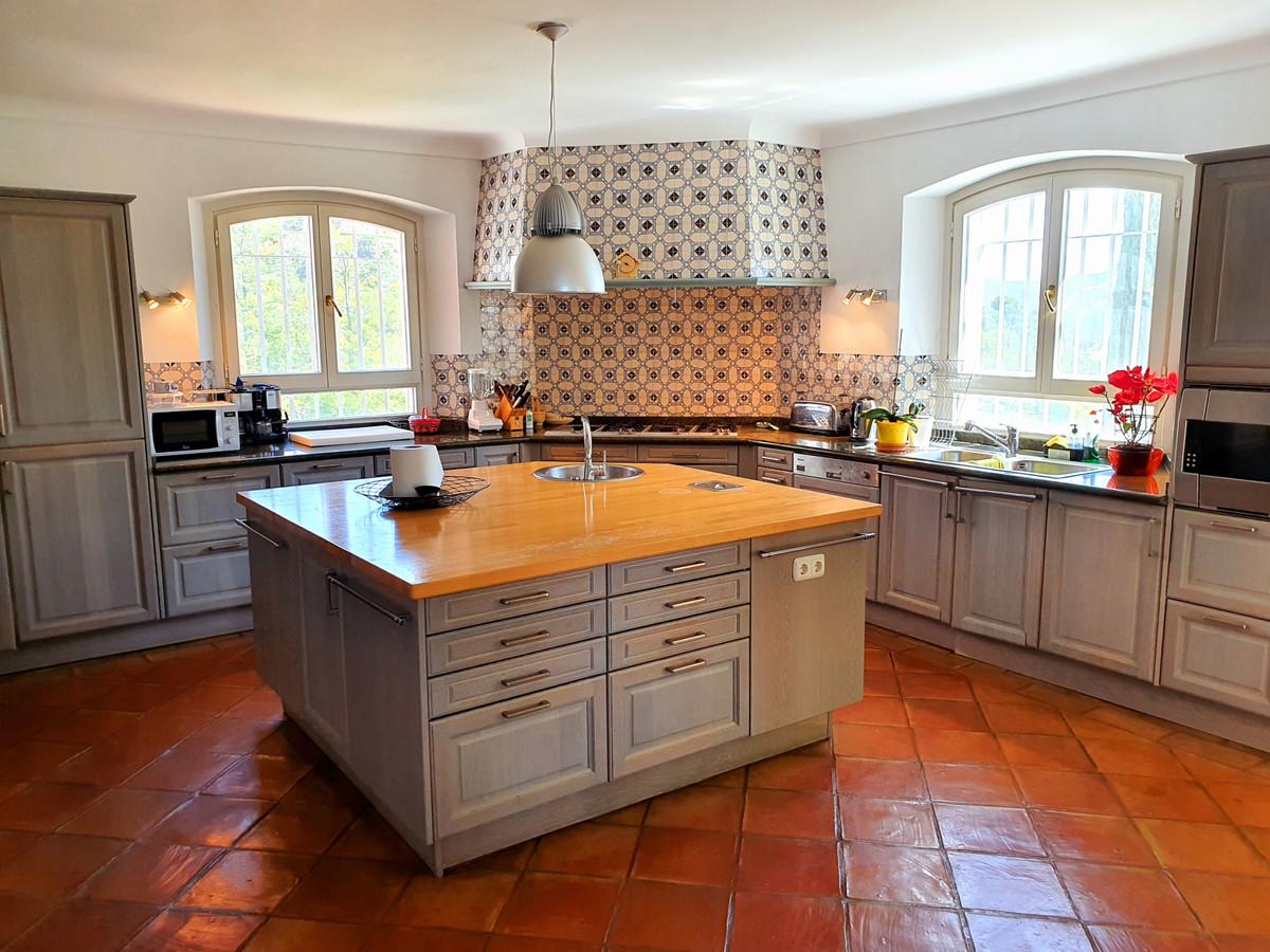 House in Benahavís R3639845 12
