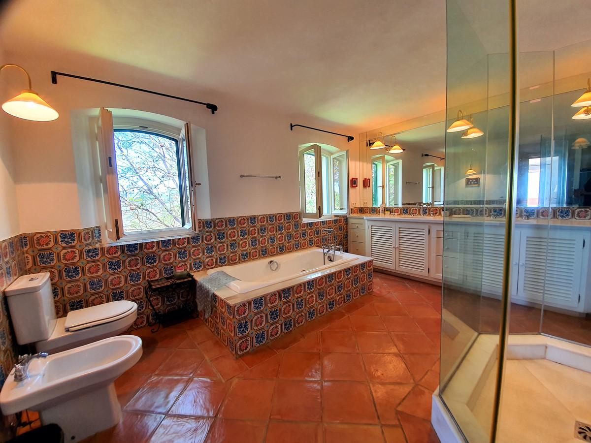 House in Benahavís R3639845 19
