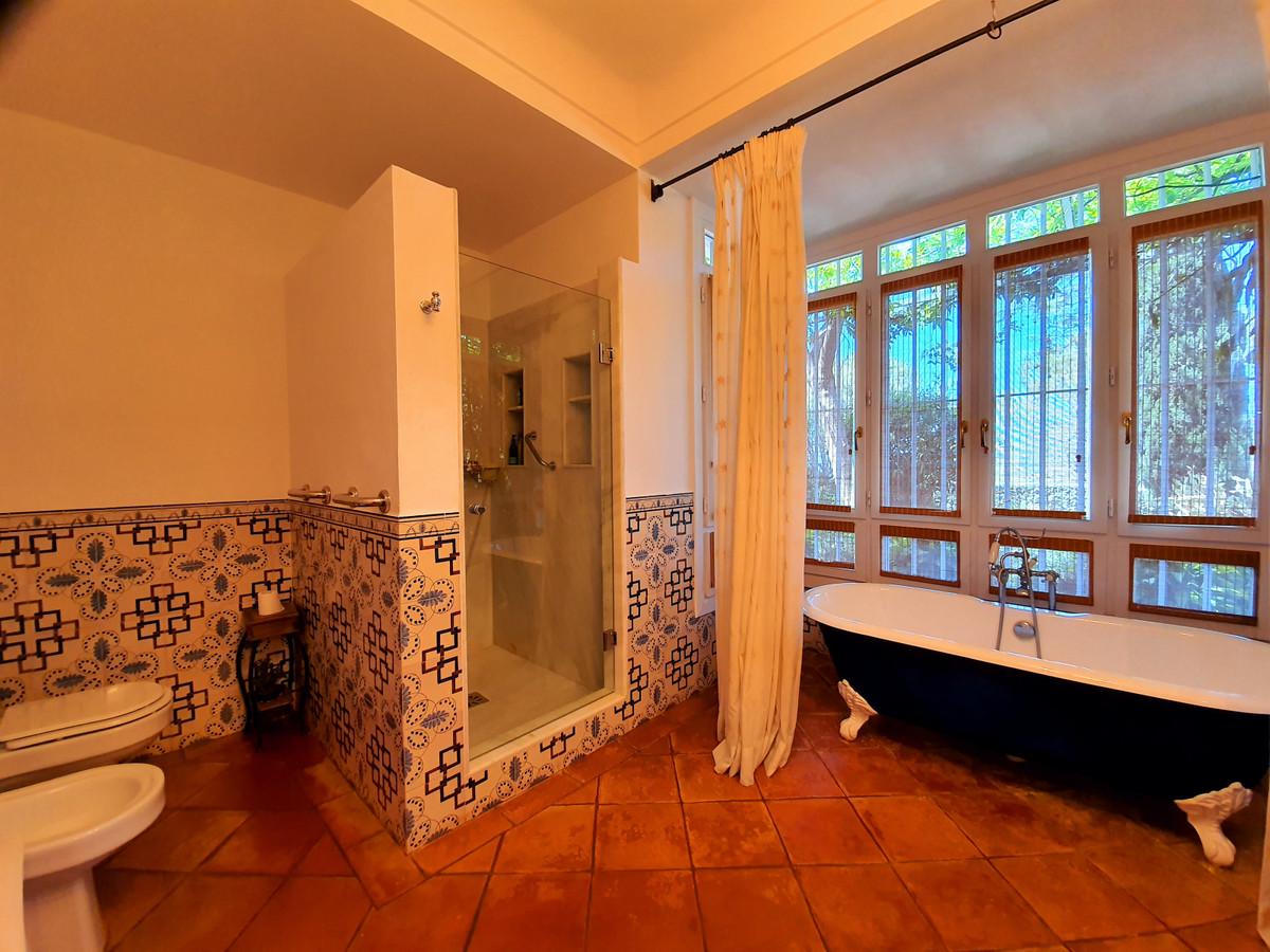 House in Benahavís R3639845 32