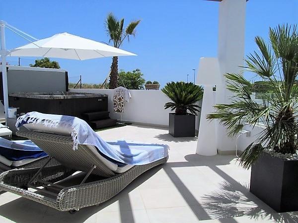 Marklägenhet Till salu i Casares Playa R2938847