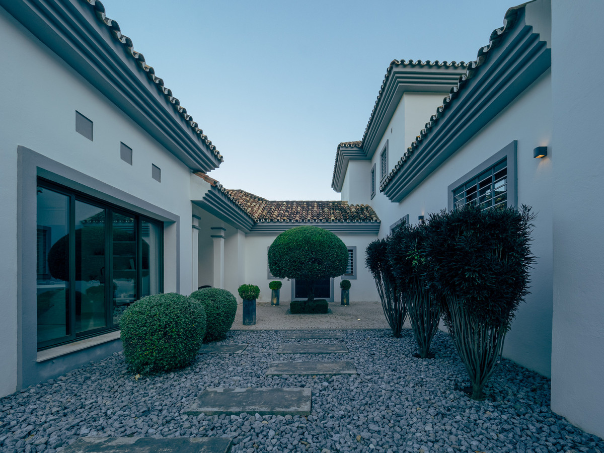House en Benahavís R2366579 32