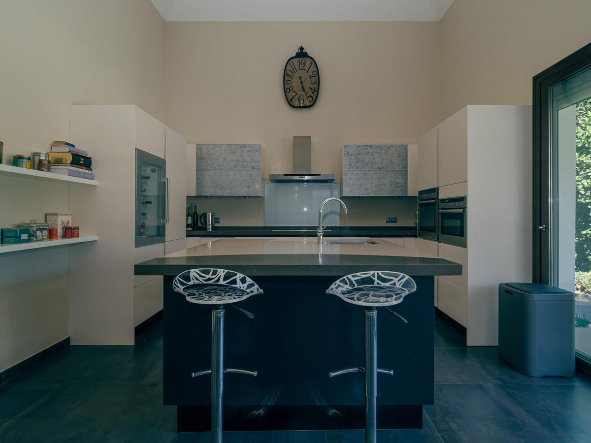 R2366579: Villa - Detached for sale in Benahavís