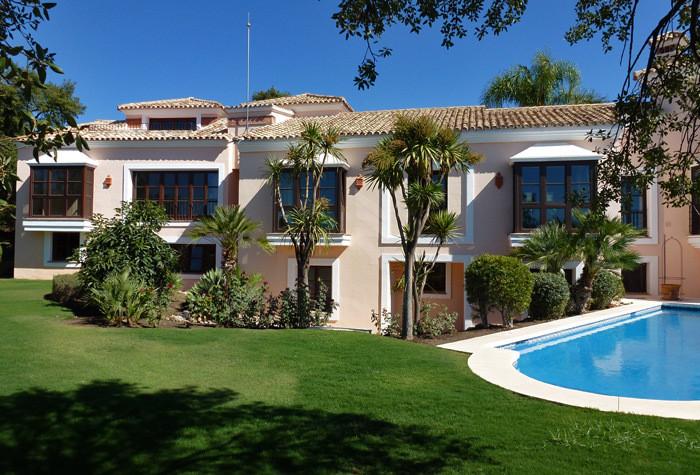 Villa for Long Term Rent in La Zagaleta