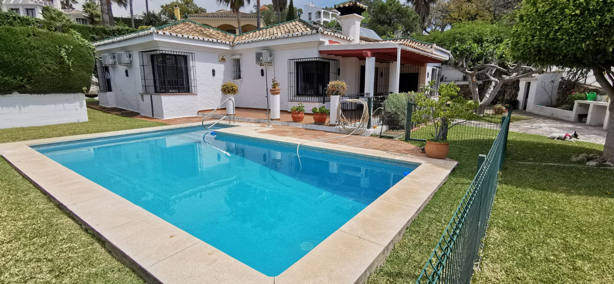 Fantastic rustic style detached house with private pool on the footsteps of Forrest Hills / Estepona,Spain