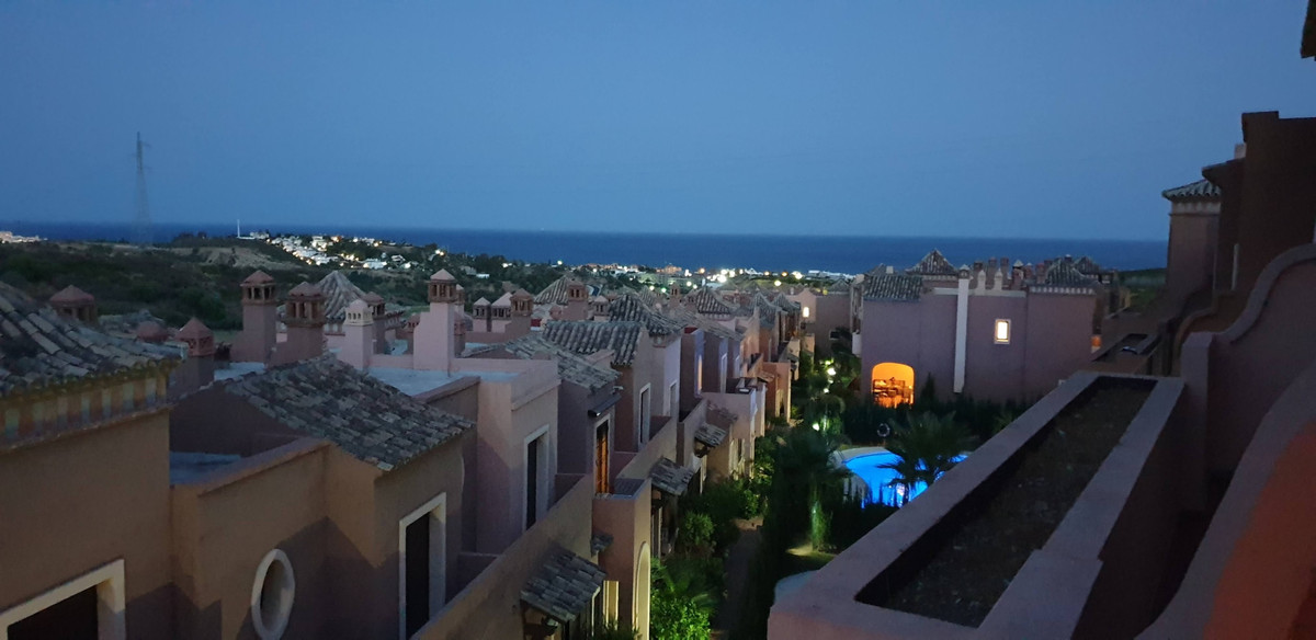 Townhouse  Semi Detached for rent  in Estepona