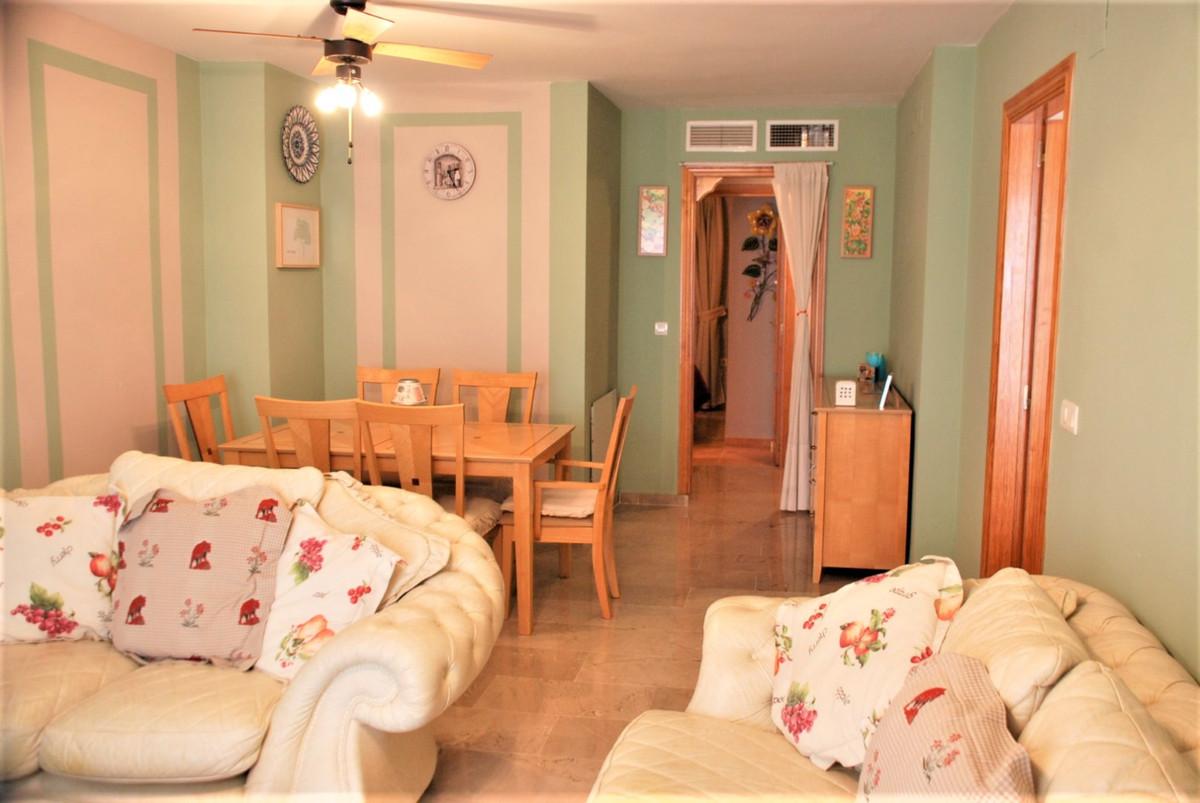 Apartamento Planta Media 2 Dormitorio(s) en Venta Manilva